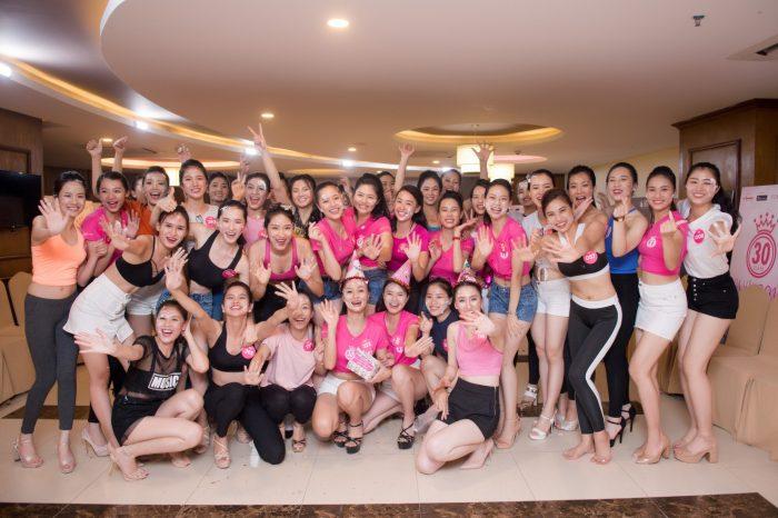 Thí sinh Hoa hậu Việt Nam 2018 vui đùa tại Mường Thanh Grand Cửa Lò