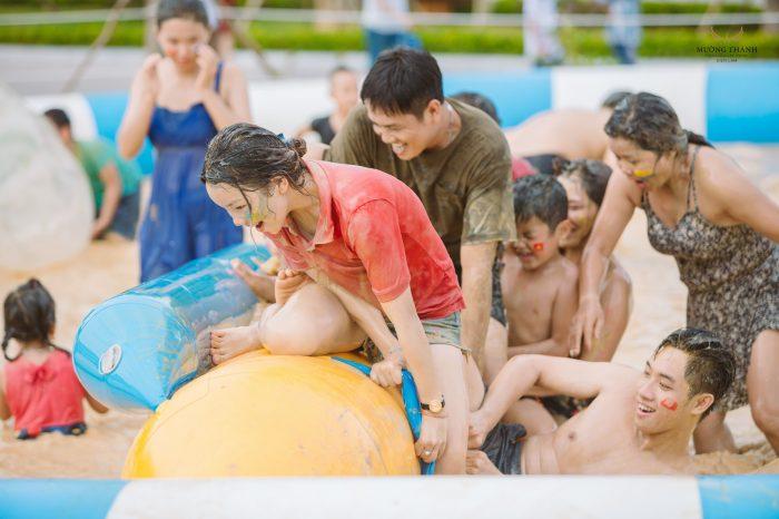 Ngày hội tắm bùn sôi động lần đầu được tổ chức tại Khu sinh thái Mường Thanh Diễn Lâm