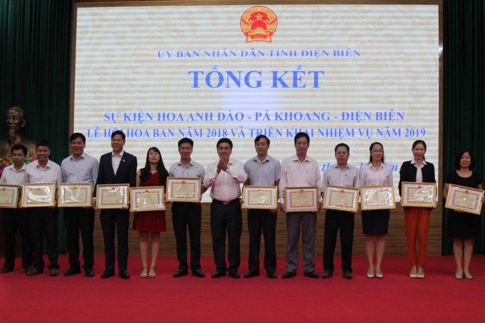 Mường Thanh Holiday Điện Biên Phủ nhận bằng khen của Chủ tịch UBND Tỉnh Điện Biên