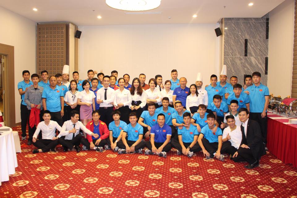 Mường Thanh Luxury Vientiane đón tiếp Đội tuyển Quốc gia Việt Nam trong thời gian tham dự AFF Cup
