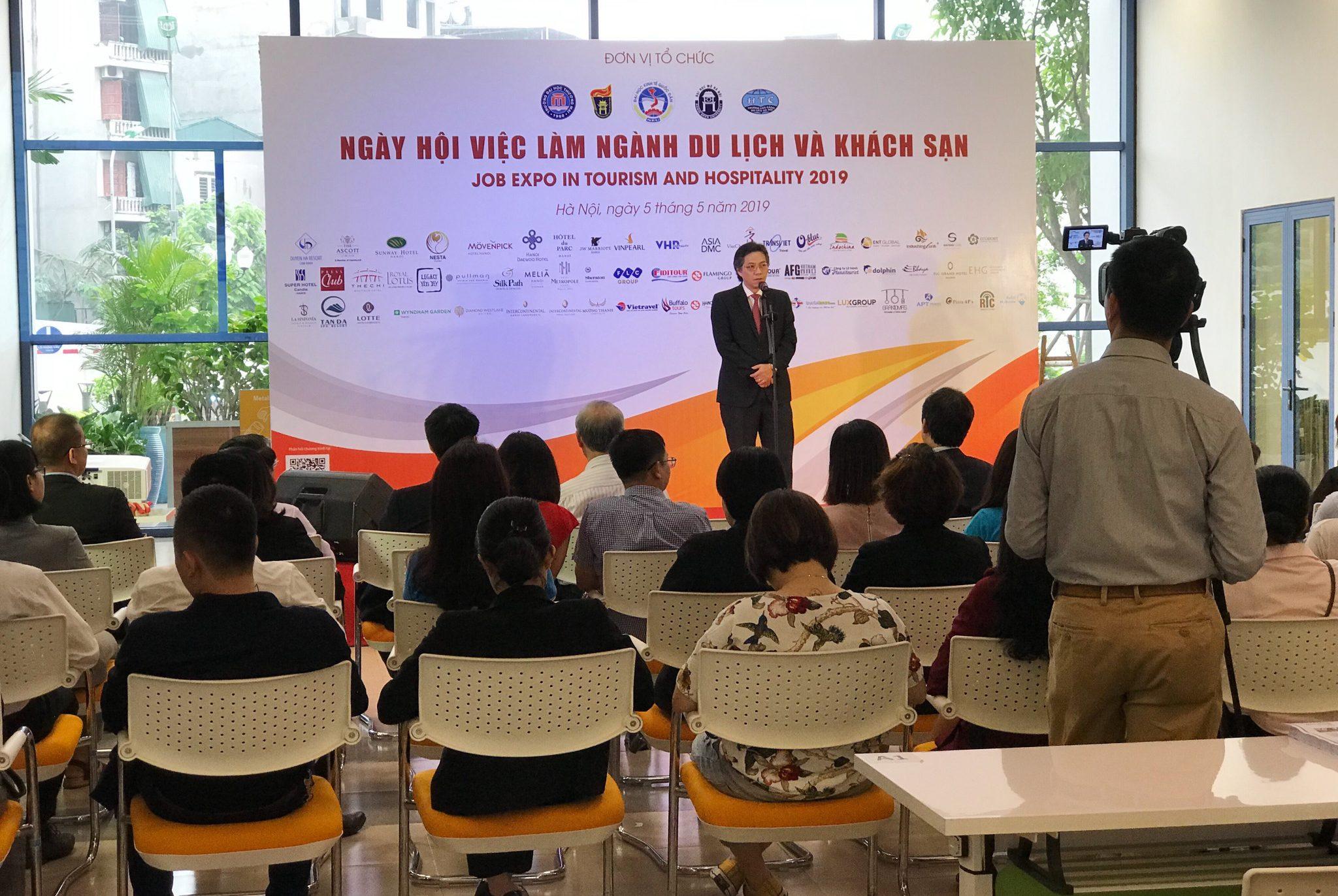 PGS.TS. Lê Anh Tuấn - Phó Vụ Trưởng Vụ Đào tạo, Bộ Văn hóa Thể thao và Du lịch phát biểu tại sự kiện.