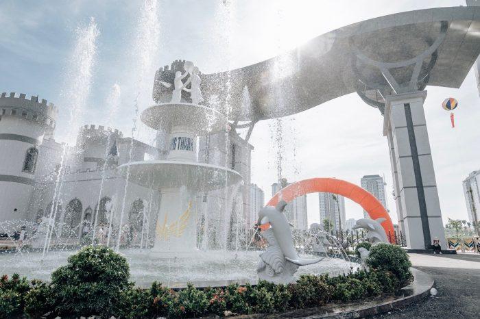 10.000 người đổ về Công viên nước Thanh Hà trong ngày khai trương