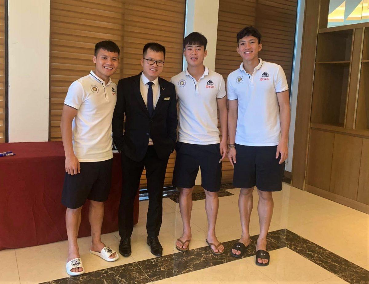 CBNV Mường Thanh Luxury Đà Nẵng tươi rói bên dàn sao CLB Bóng đá Hà Nội FC