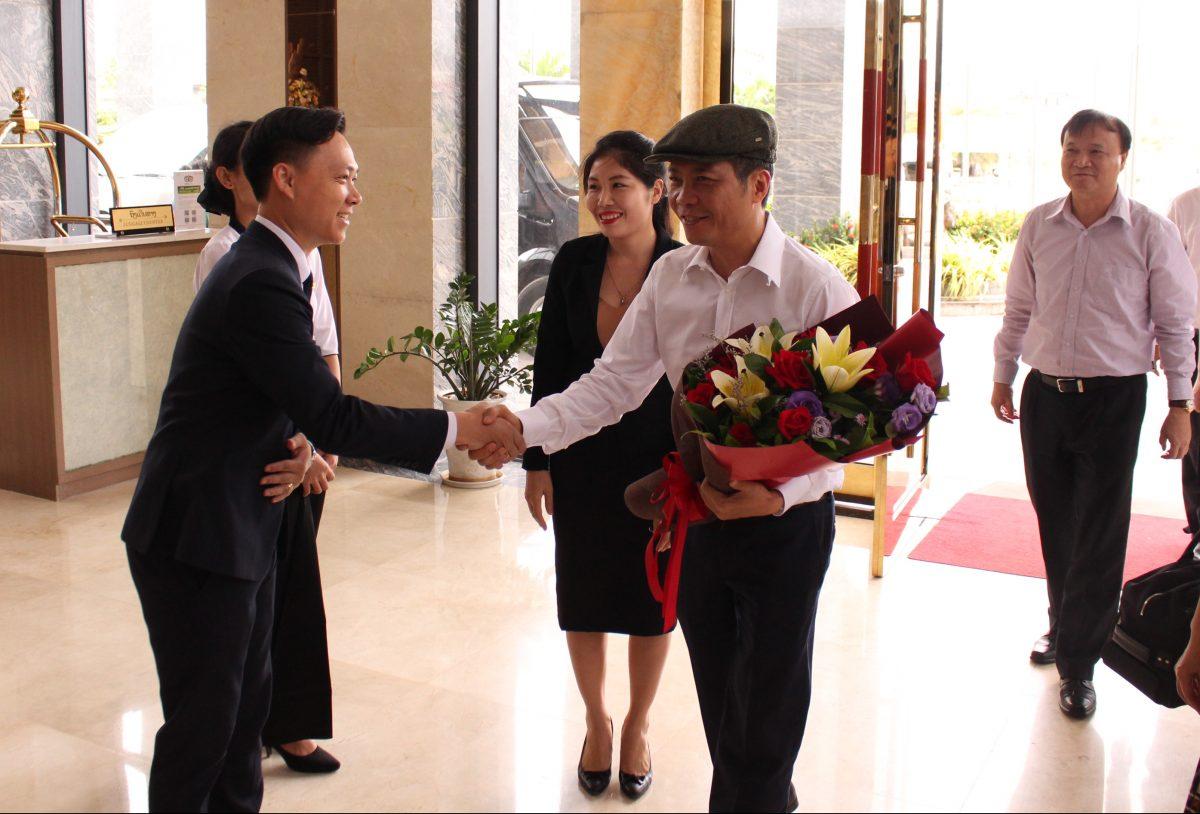 Mường Thanh Luxury Vientiane vinh dự được đón tiếp Bộ trưởng Bộ Công thương