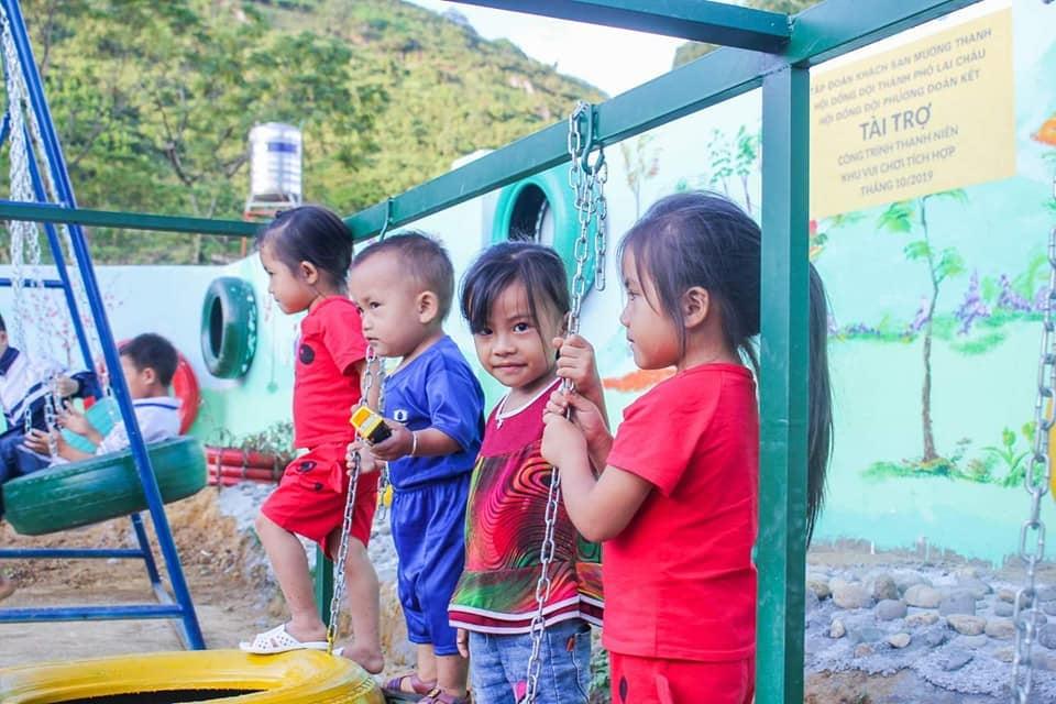 Khách sạn Mường Thanh Lai Châu khánh thành sân chơi trẻ em từ đồ nhựa tái chế