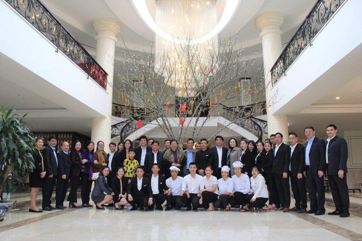 Mường Thanh Holiday Con Cuông đón tiếp Phó Chủ tịch Thường trực Quốc hội Tòng Thị Phóng