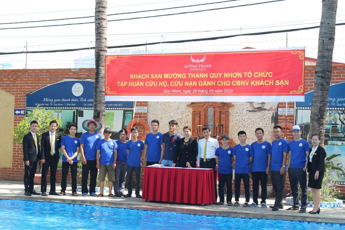 Mường Thanh Quy Nhơn tổ chức tập huấn cứu nạn, cứu hộ đuối nước cho nam CBNV