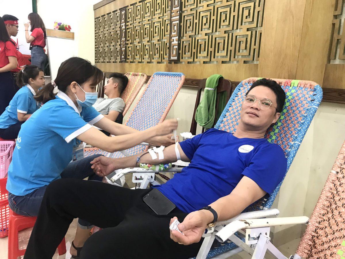 CBNV Mường Thanh Quy Nhơn hăng hái cùng nhau đi hiến máu nhân đạo
