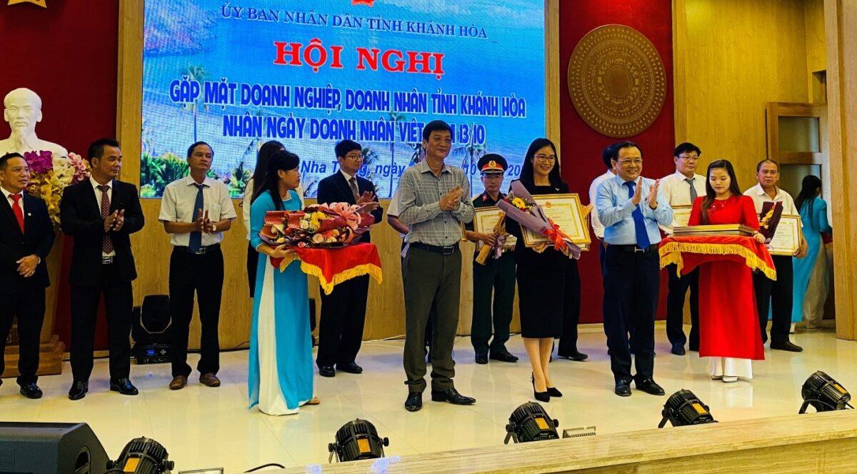 Mường Thanh Luxury Nha Trang nhận cú đúp khen thưởng tại Lễ vinh danh doanh nghiệp, doanh nhân tỉnh Khánh Hòa 2020