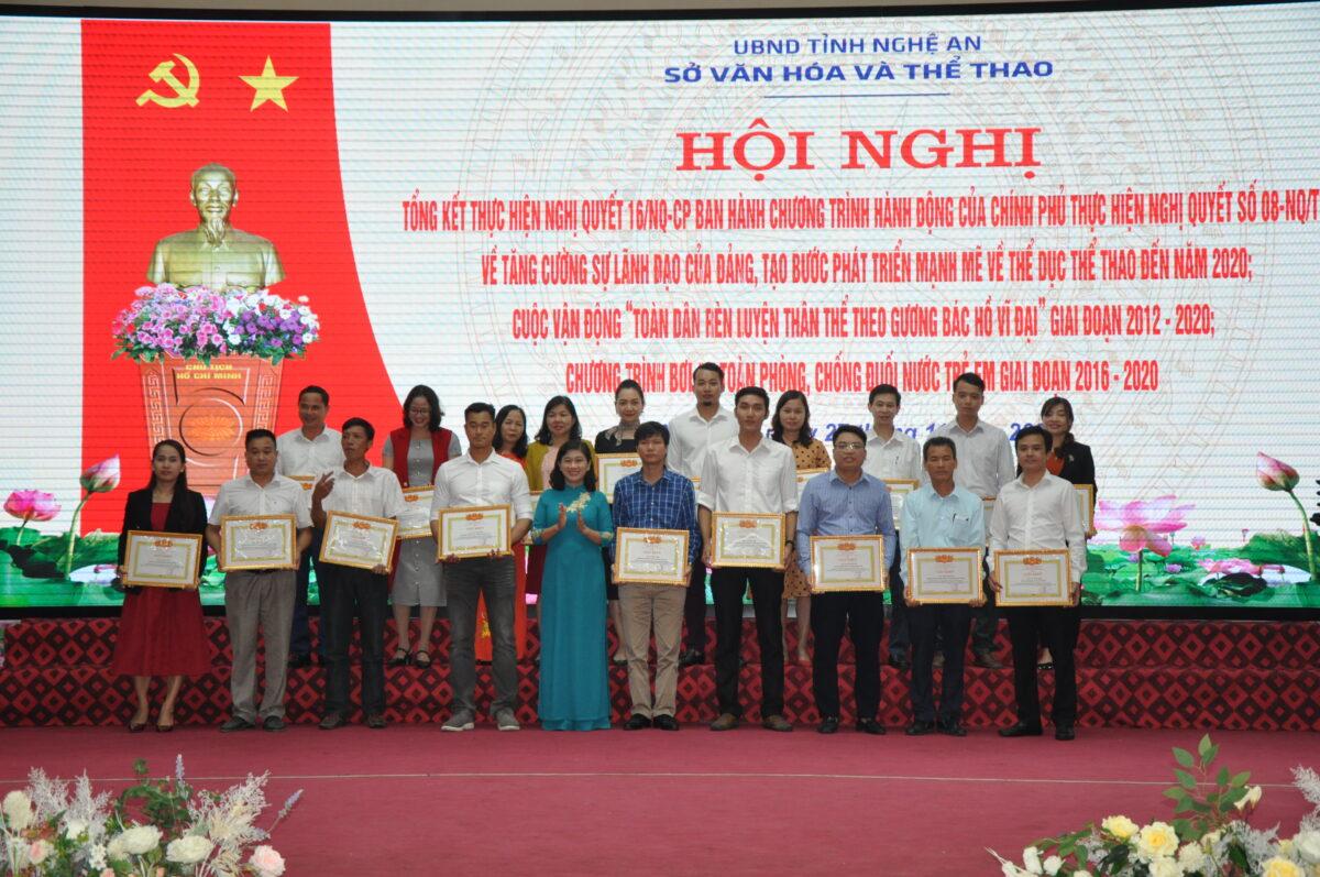 Trung tâm Giải trí VRC vinh dự nhận bằng khen trong công tác triển khai thực hiện chương trình bơi an toàn, phòng chống đuối nước tỉnh Nghệ An giai đoạn 2016 – 2020