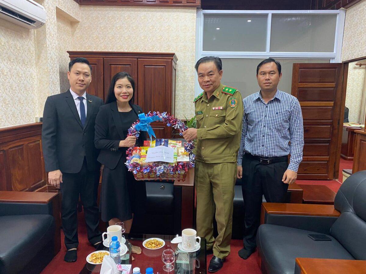 BGĐ Mường Thanh Luxury Vientiane thăm hỏi tặng quà năm mới nhiều lãnh đạo cấp cao của Đảng NDCM Lào